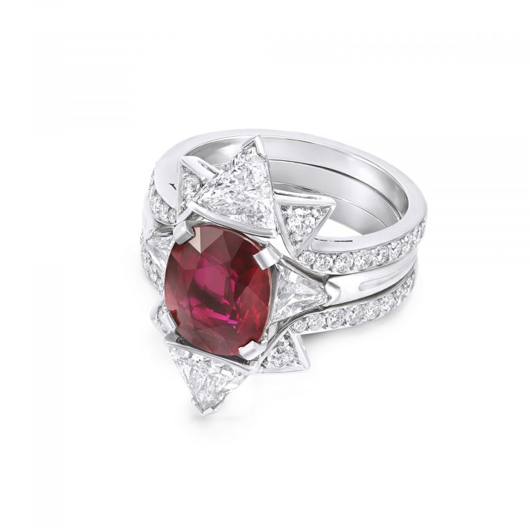 Double frame Oval Ruby ring _ sit