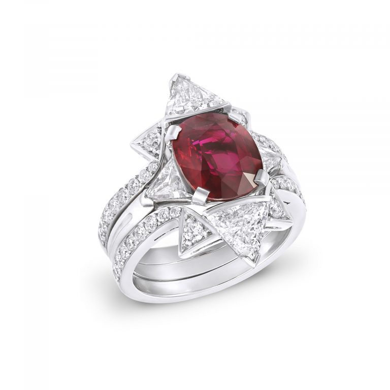 Double frame Oval Ruby ring _ upright